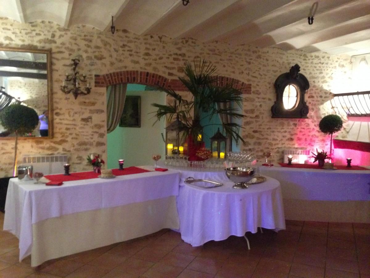 Les ecuries domaine de champigny salle pour mariage et s minaires - Disposition des verres a table ...